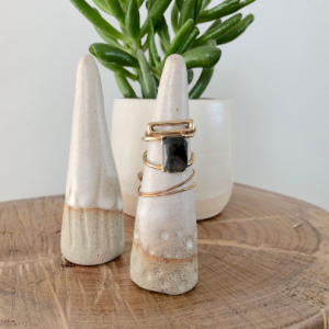 Handmade ceramic mountain ring cones - Spots